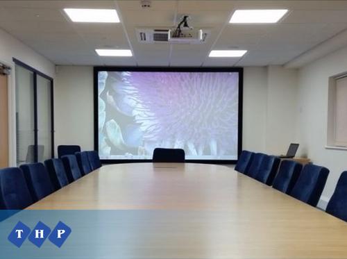 Máy chiếu Panasonic PT-VX42Z Văn phòng